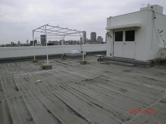 大阪市天王寺区Tビル屋上防水施工事例 リフォーム前